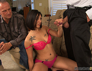 020119_stefania_mafra_jerk_off_dads_boss_124_4