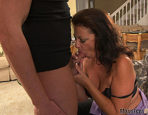062519_margo_sullivan_mean_mom_loves_cum_032_2
