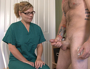 121820_brittany_hot_blonde_sucks_a_big_dick_in_the_shower_149-4